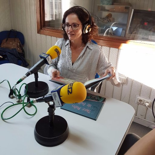 Beatriz Ayala, jupsin.com, Doce Patas de Grillo, inteligencia artificial, acoso escolar