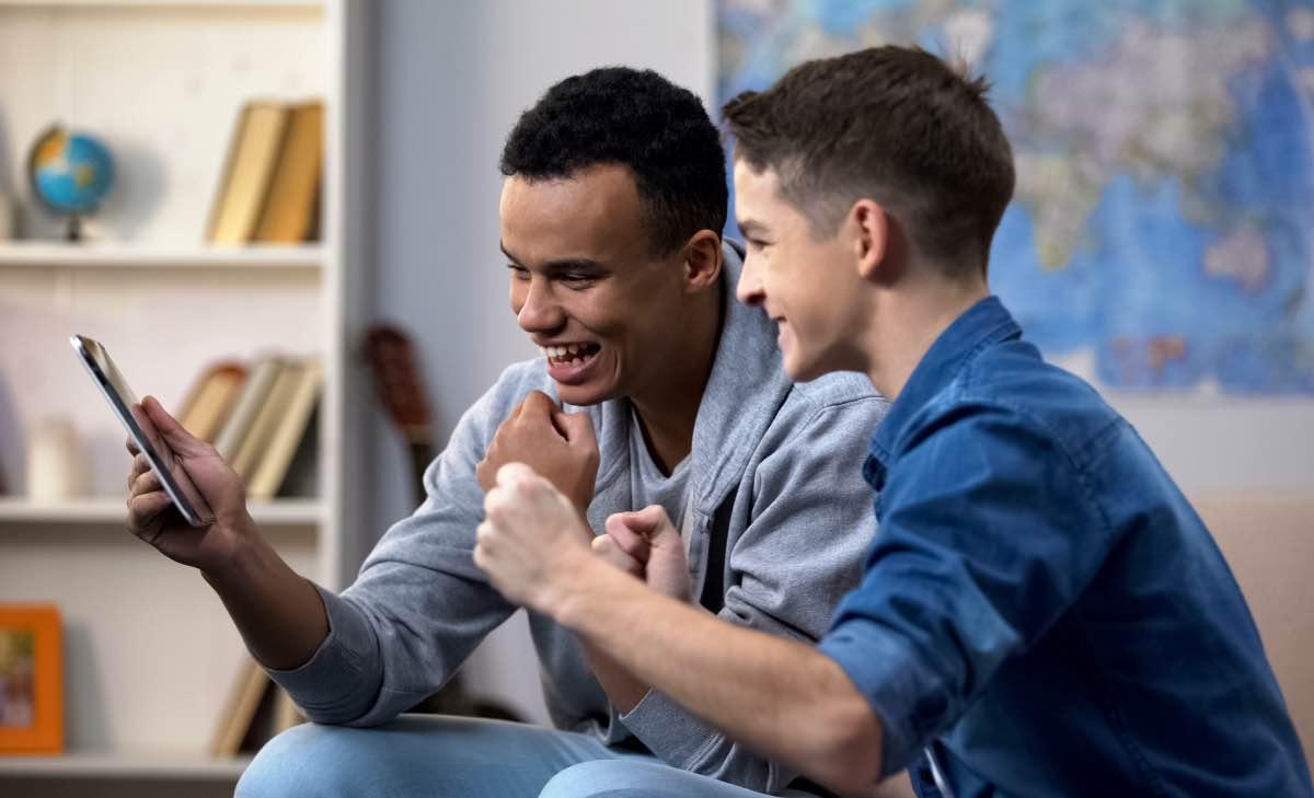 El peligroso ocio de los jóvenes: jugar y apostar