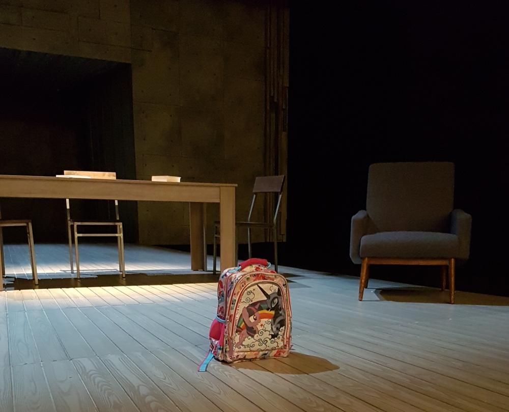 La mochila protagonista de la obra de teatro 'El pequeño poni', dirigida por Luis Luque - Foto: Jesús Larena - Foto de Luis Luque: Luis Malibrán