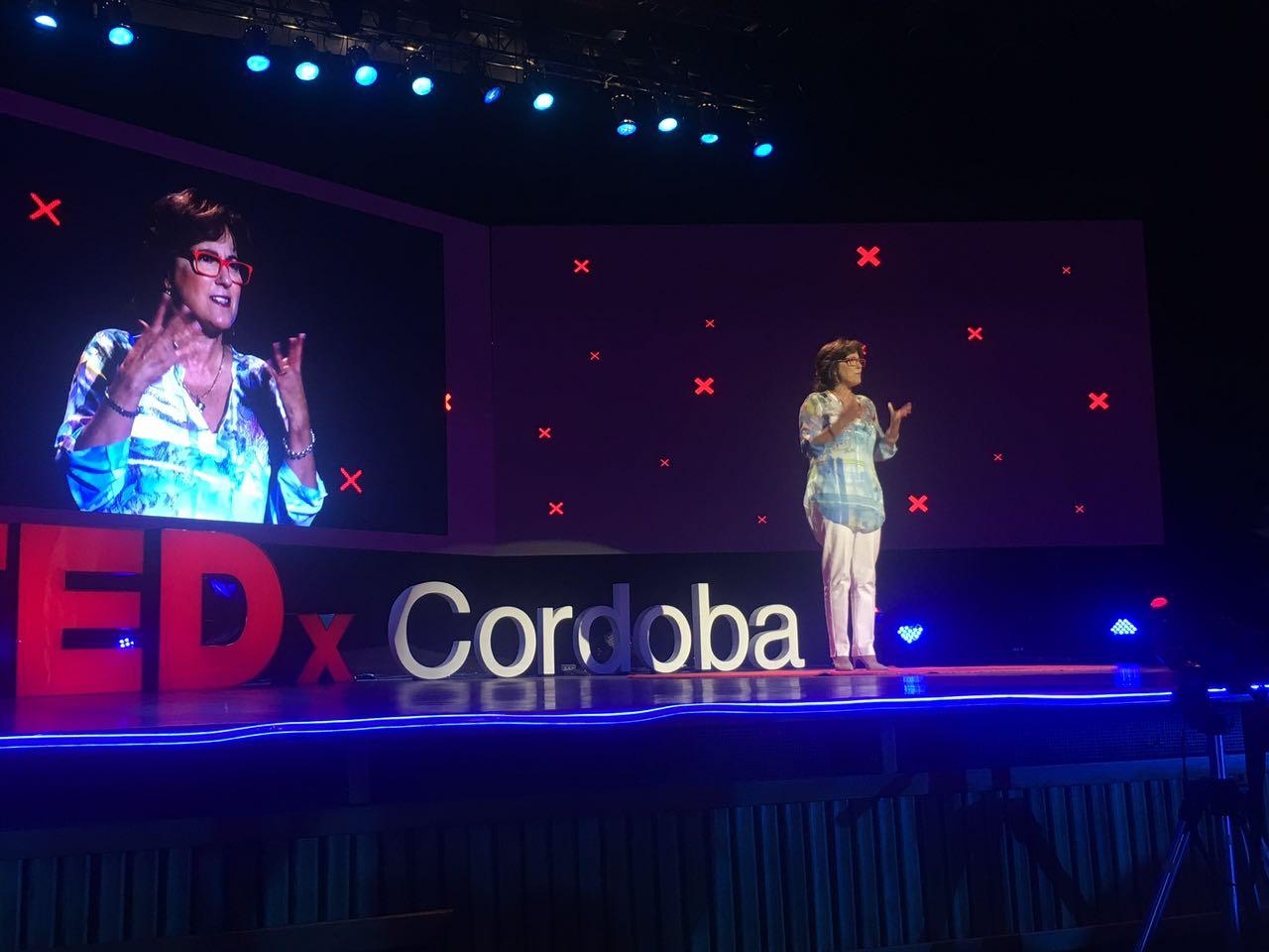Liliana Cancela en una intervención en TEDx Córdoba