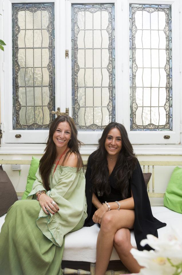 Paloma López y Rocío Gavilán en su despacho en la calle Velázquez de Madrid - Foto Jesús Umbría