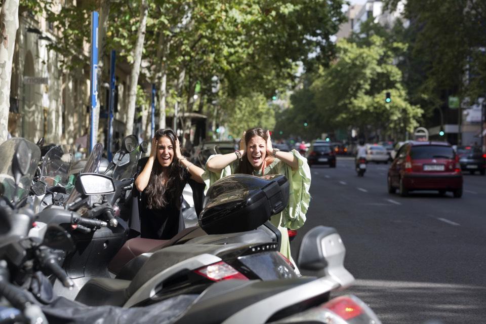 Rocío Gavilán y Paloma López, ruido en plena calle Velázquez de Madrid - Foto: Jesús Umbría